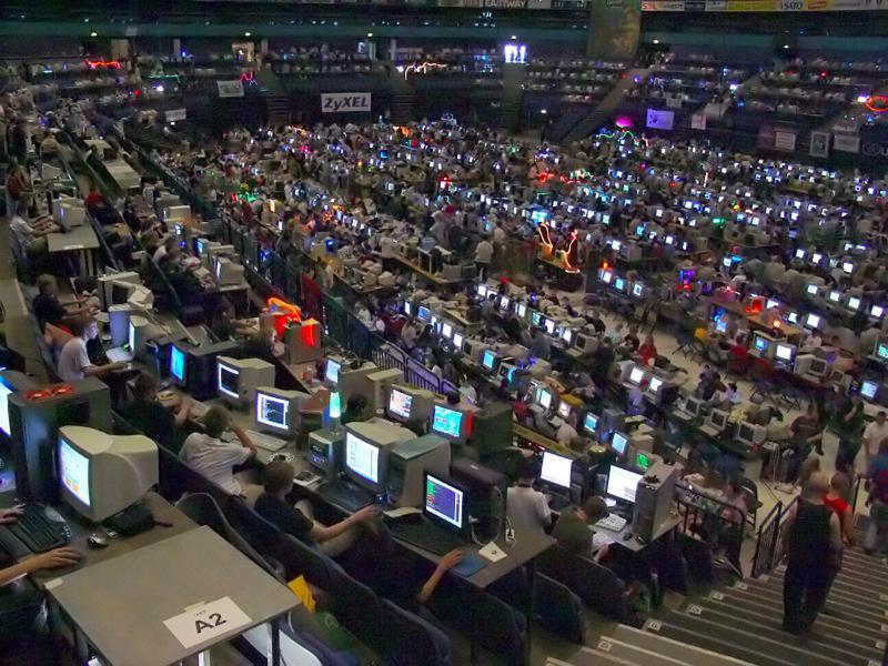 Assembly2004-areena01